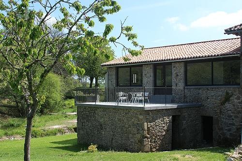 moulin-home-backyard