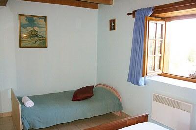 downstair bedroom 2
