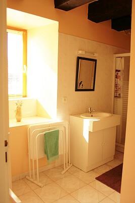 gite 2-shower-room-wc